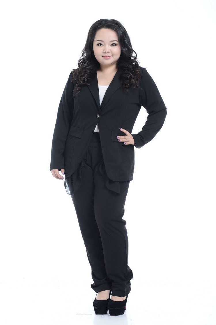Tailored outfit for fashion for pluz size ladies
